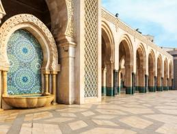 beautiful_fountain_at_the_mosque_hassan_second_casablanca_morocco