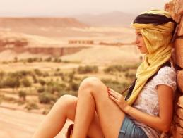 beautiful_lady_with_scarf